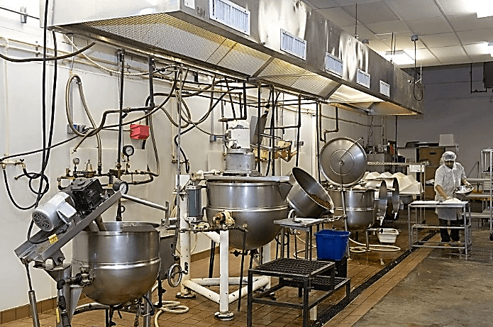 Various-smaller-agitated-jacketed-kettles